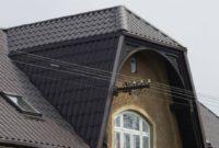 Metall-Dachpfannenprofile - Wohnhaus mit Gaube