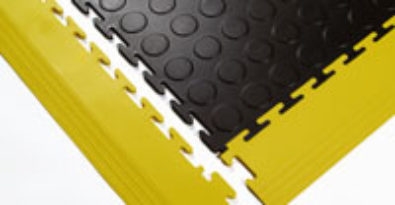 Sind Ecken und Kanten (Rampen), Sockelleisten lieferbar?