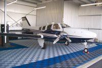 Tecto-San Classic Kunststoff Bodenbelag Anwendung mit Flugzeug