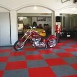 Kunststoff Fliesen für Garage und Ausstellung