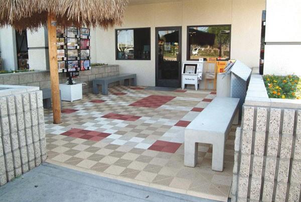 Tecto-San Classic als Bodenbelag für den Hof