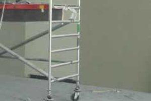 MINIMALE FOLIENBILDUNG NOXYDE®-Spray wird vor dem Eintreffen auf dem Untergrund zu Pulver
