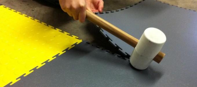 Flexi-Tile PVC Boden einfache Verlegung mit Gummihammer